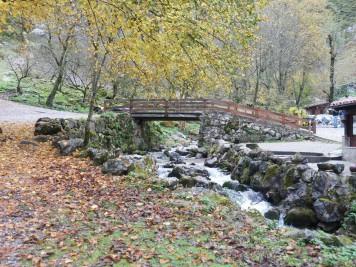 Puente sobre rio en Bulnes